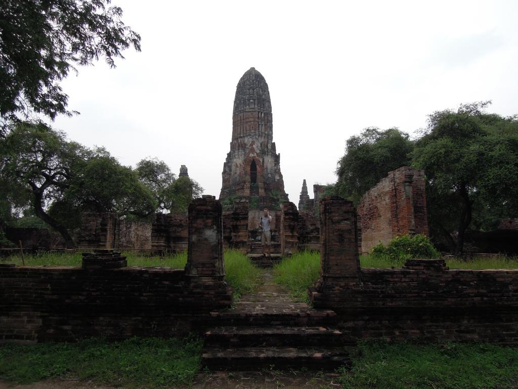 """Wat Phra Ram. Słowo """"wat"""" oznacza kompleks świątynny w Tajlandii, Kambodży i Laosie, fot. A. Mielczarek"""