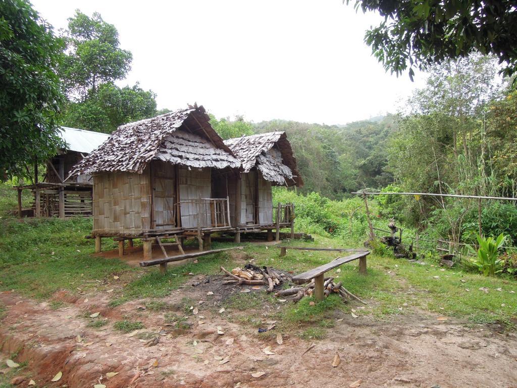 Bambusowe bungalowy, wersja VIP dla nowożeńców, M. Lehrmann