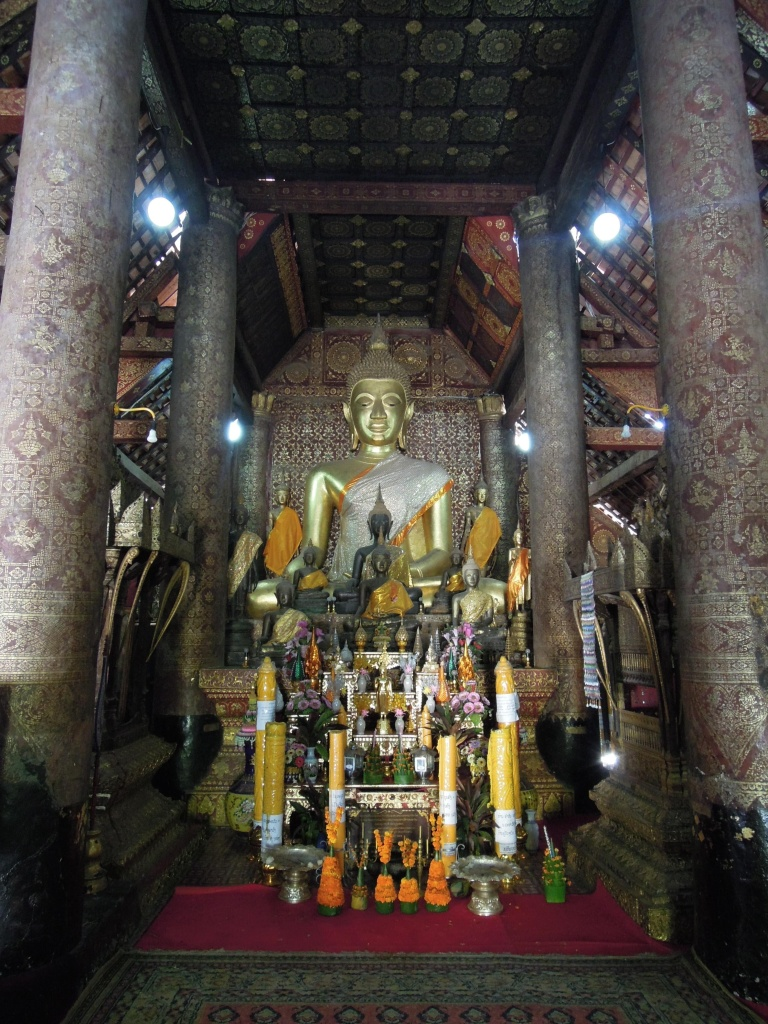 W główny budynku (sim) świątyni Wat Xieng Thong, Luang Prabang, fot. M. Lehrmann
