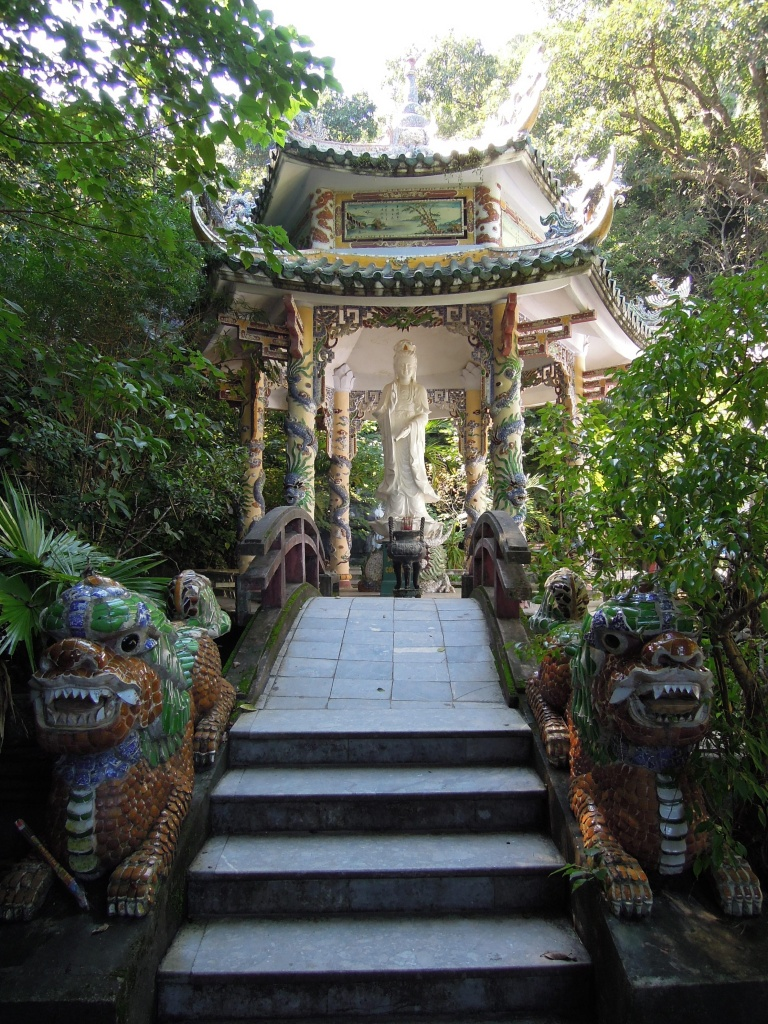 Posąg bogini Kwan Yin, Marmurowe Góry, fot. M. Lehrmann