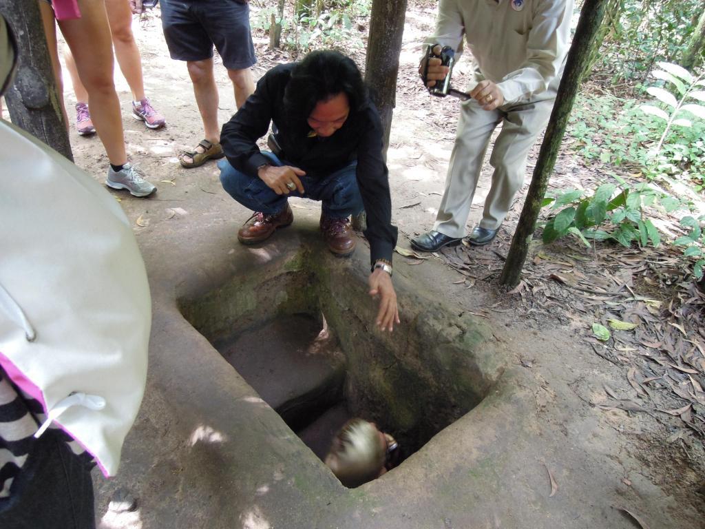 Kto ma ochotę przeczołgać się w tunelu?, Cu Chi, fot. M. Lehrmann