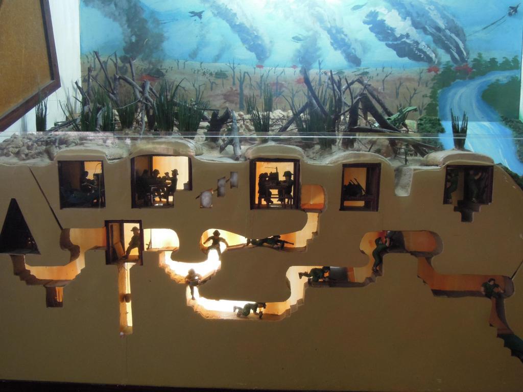 Model trzypoziomowych tuneli, Cu Chi, fot. A. Mielczarek
