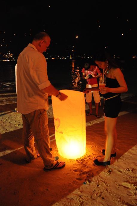 Lampiony na plaży Patong, Sylwester 2012, Phuket, fot. Ulka Kupińska