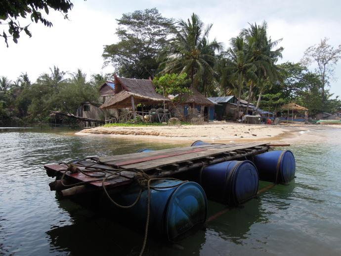 Tratwa, wyspa Koh Rong Samloem, Kambodża, fot. M. Lehrmann