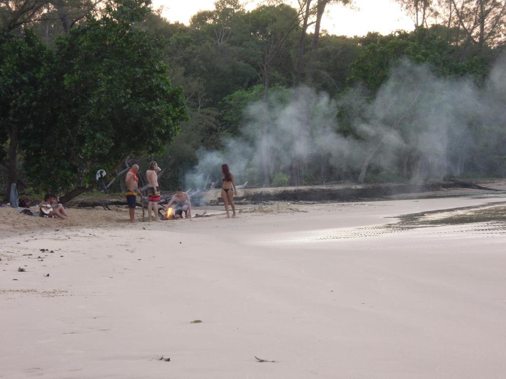 Opowieści przy ognisku, Koh Rong Samloem, fot. M. Lehrmann