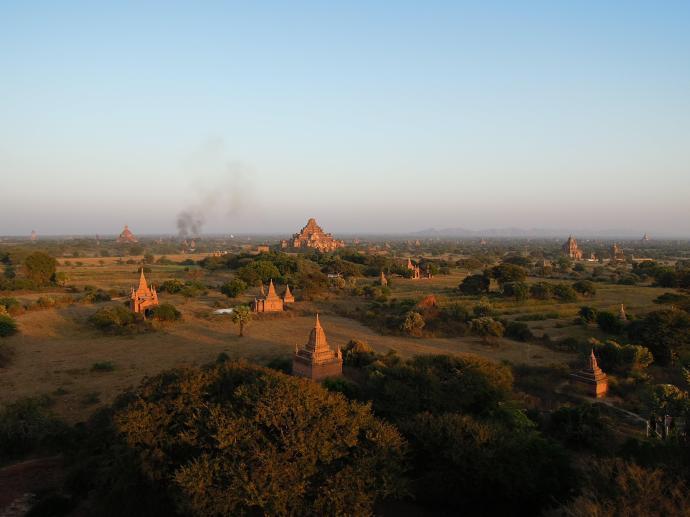 Pagody Baganu pozwalają cieszyć oko w ten sam sposób, co osiemset lat temu, fot. M. Lehrmann