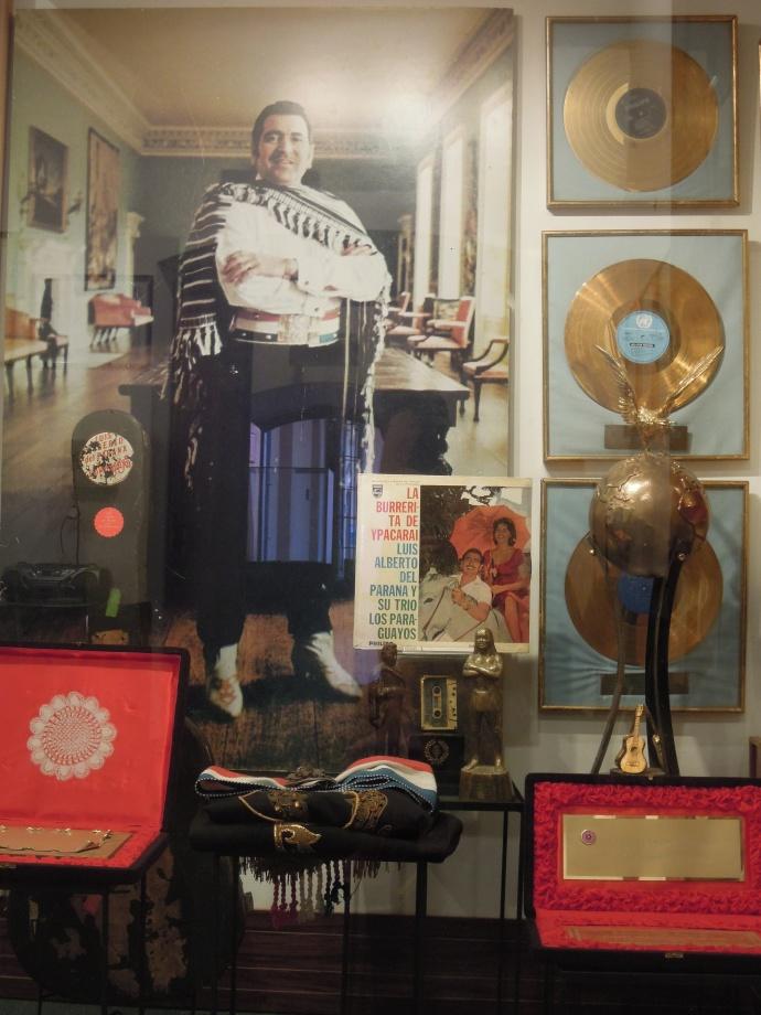 Pamiątki po Luisie Alberto del Parana, światowej sławy paragwajskim artyście, Muzeum Kongresu, Asuncion, fot. M. Lehrmann