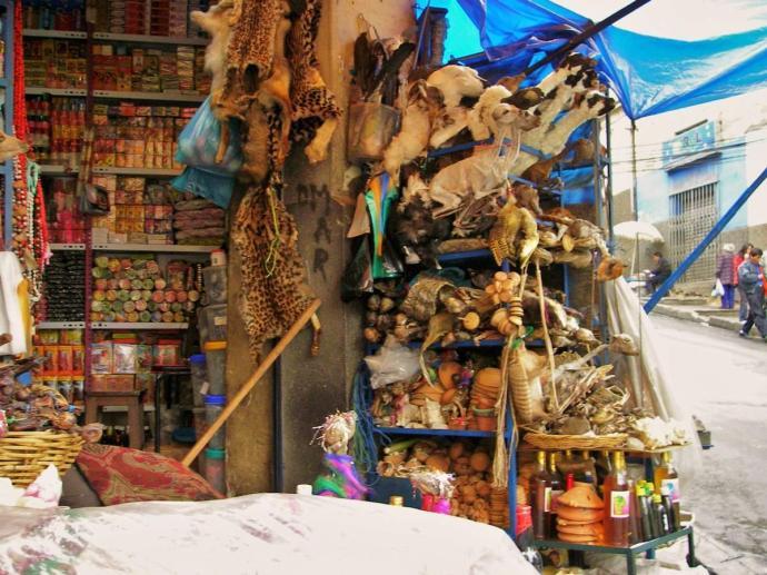 Targ Czarownic, La Paz, Boliwia, fot. Fran A. Acero. Zdjęcie pochodzi ze strony autora www.viajeserraticos.com