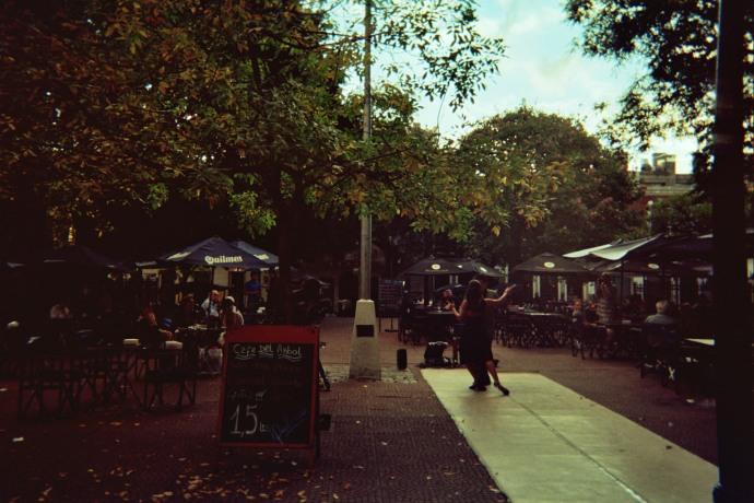 Kawiarniane ogródki i pokazy tanga na Plaza Dorrego w San Telmo, Buenos Aires, fot. M. Lehrmann