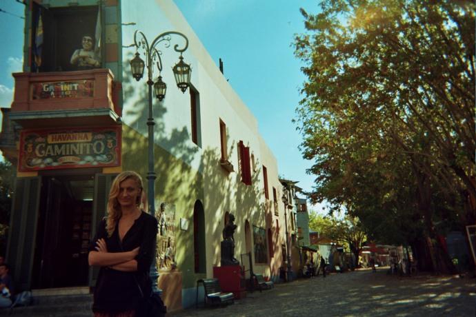 Wizytówką dzielnicy jest uliczka Caminito, oficjalnie uznana za ulicę – muzeum, przeznaczoną tylko do ruchu pieszego, fot. M. Lehrmann