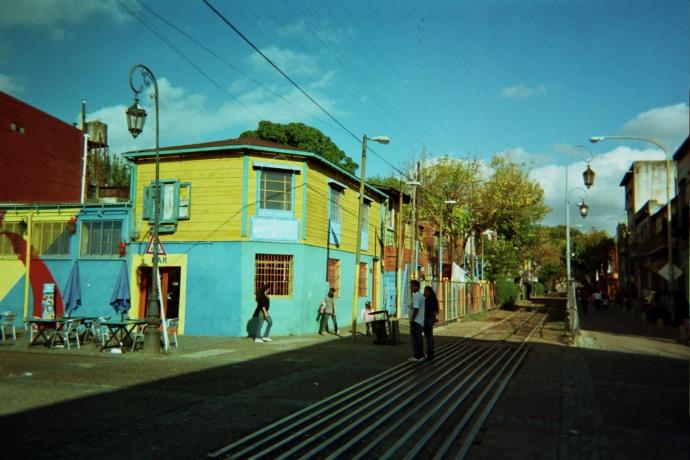 W tym miejscu Pedro de Mendoza założył pierwszą osadę w roku 1536 (nazywała się Puerto de Nuestra Senora Santa Maria del Buen Aire, czyli Port Najświętszej Marii Panny Dobrego Powietrza, fot. M. Lehrmann