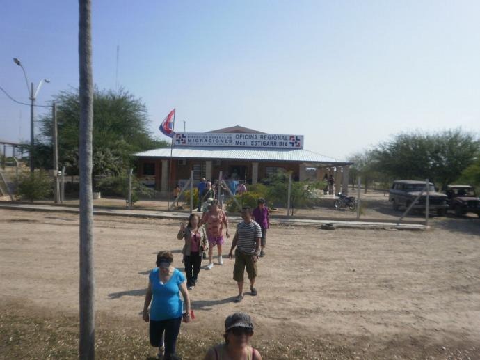 Posterunek służb migracyjnych w Mariscal Estigarilla. Nigdy go nie zapomnimy. Zdjęcie pochodzi ze strony pasapadentrojulito.blogspot.com.br