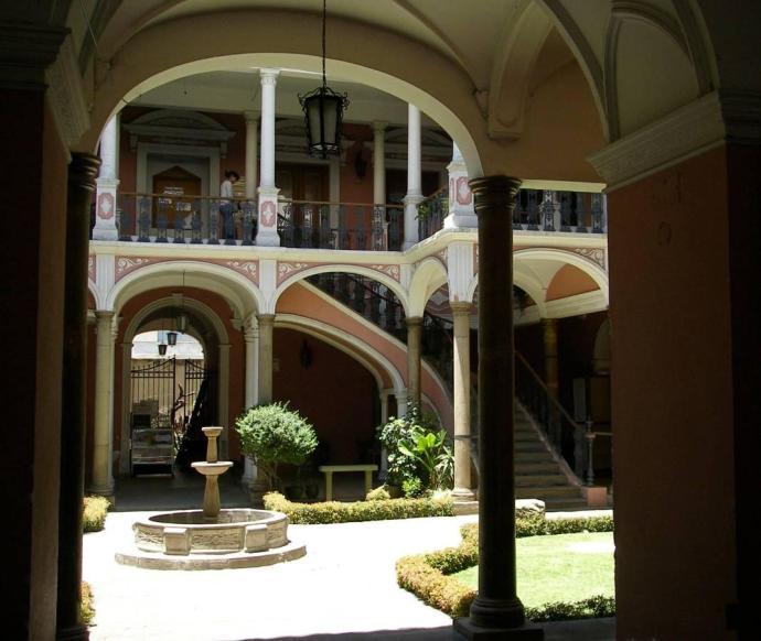 Kolonialna architektura Cochabamby, fot. Fran A. Acero. Zdjęcie pochodzi ze strony autora www.viajeserraticos.com