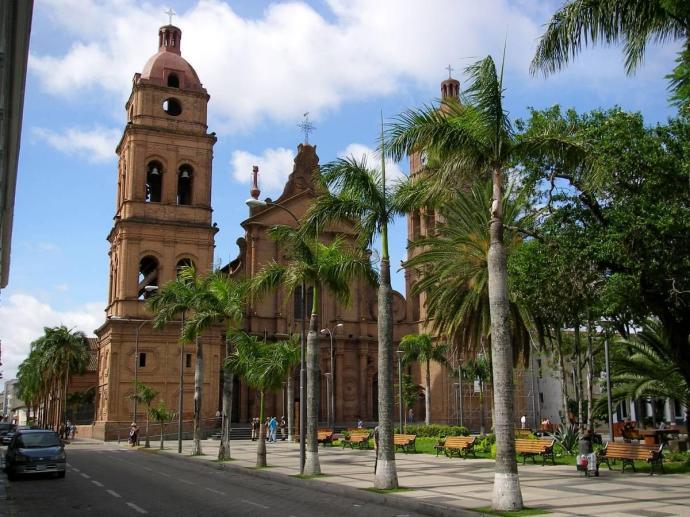 Katedra w Santa Cruz de La Sierra, Boliwia, fot. Fran A. Acero. Zdjęcie pochodzi ze strony autora www.viajeserraticos.com