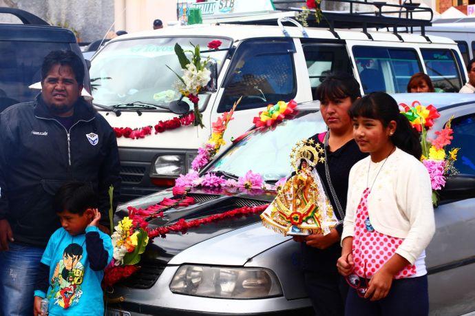 Święcenie samochodów w Copacabanie, Boliwia, fot. O'n'G