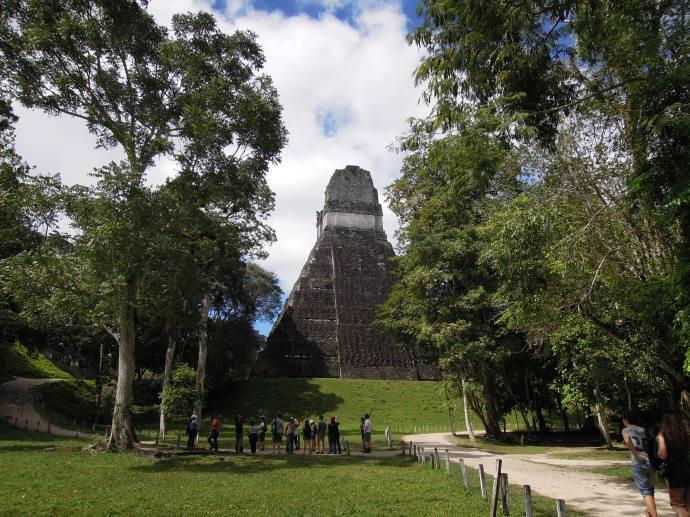 Świątynia Wielkiego Jaguara, Gran Plaza, miejsce pochówku króla Jasaw Chan K'awiil, Tikal, fot. M. Lehrmann