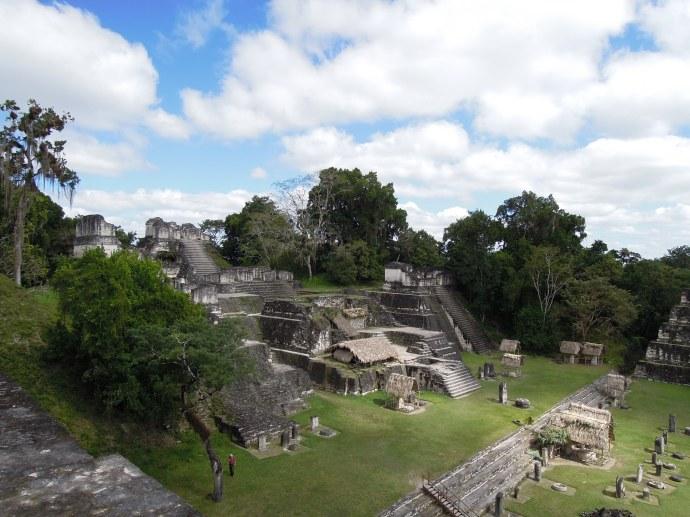 Acropolis Północny, ważne miejsce ceremonii religijnych, Tikal, fot. M. Lehrmann