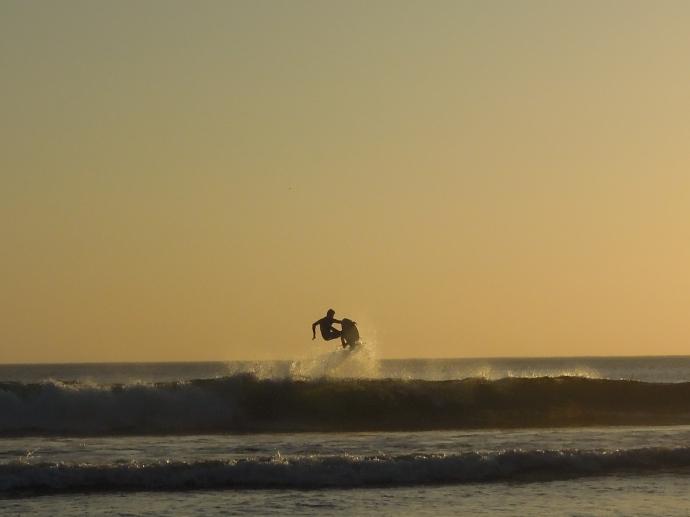 Jest na co popatrzeć. Surfer, Playa Maderas, Nikaragua, fot. M. Lehrmann