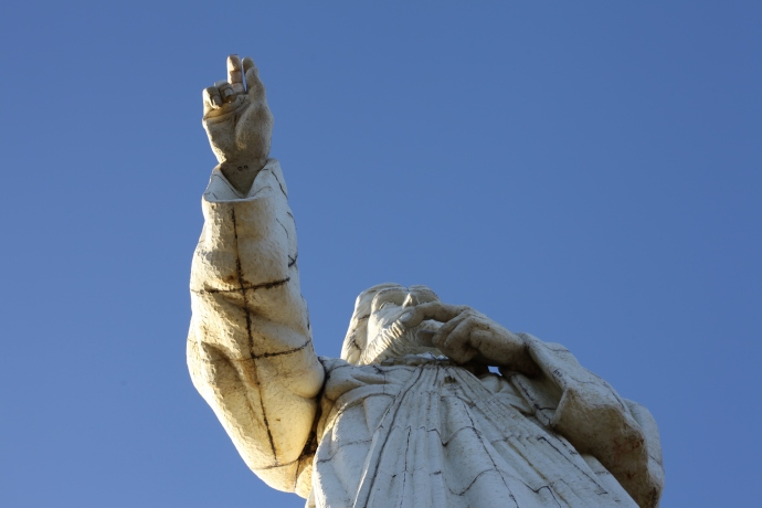 Nad miastem góruje posąg Chrystusa, San Juan del Sur, Nikaragua, fot. Iona Hodgson