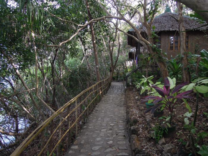 Bungalow, resort San Pedro, plaża Talipasak, Romblon, fot. M. Lehrmann