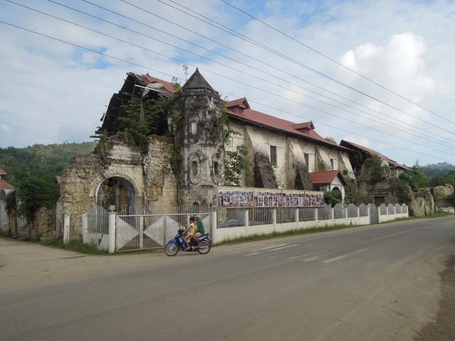 Zniszczony przez trzęsienie Kościół San Pedro w Loboc, Bohol, fot. M. Lehrmann