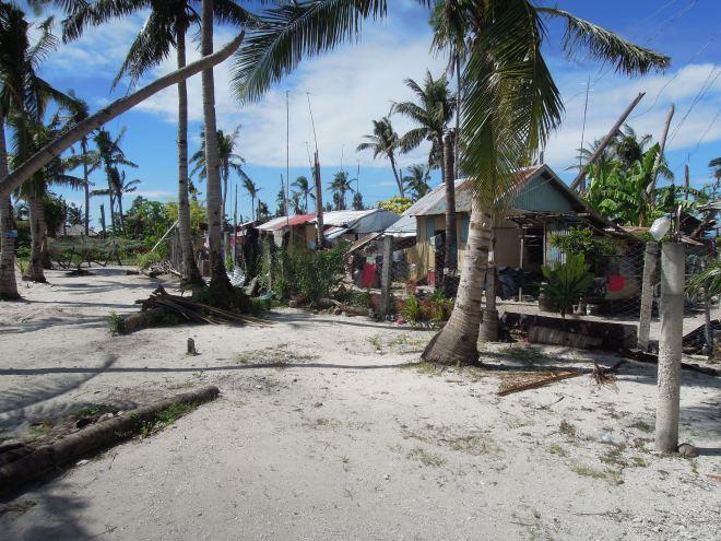 Hotele buduje się na plaży, między wioskami, Malapascua, Filipiny, fot. M. Lehrmann