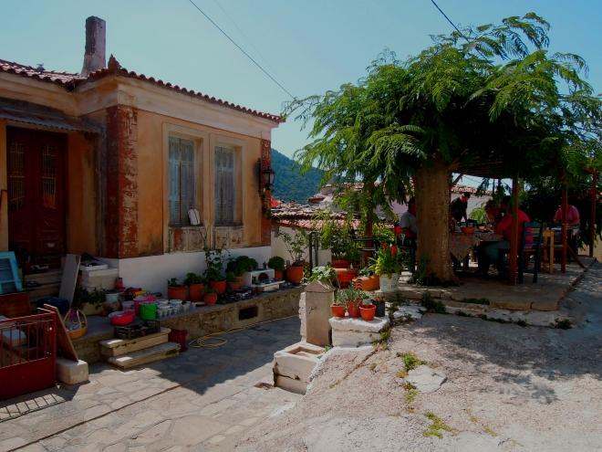 Górska ostoja chłodu, wioska Manolates, Samos, fot. A. Mielczarek