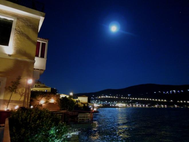 Lipcowa pełnia nad Vathi, Samos, fot. M. Lehrmann