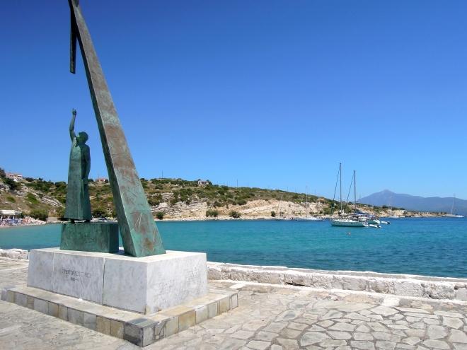 Pomnik Pitagorasa, port w Pithagorio, Samos, fot. M. Lehrmann