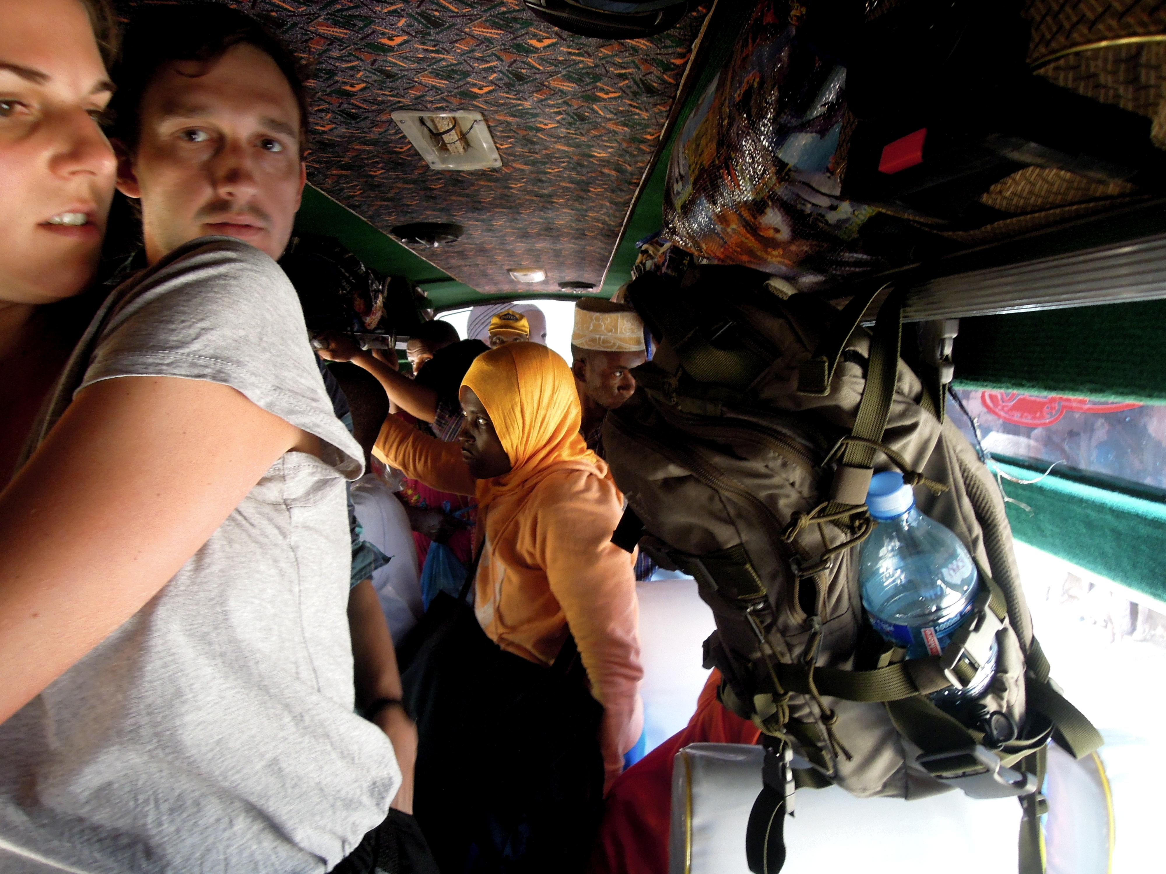 Na stojaka w autobusie, w drodze z Lushoto do Mtae, fot. A. Mielczarek